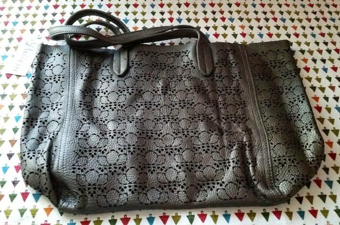 Pattern Signature Leather Bag - Gunmetal
