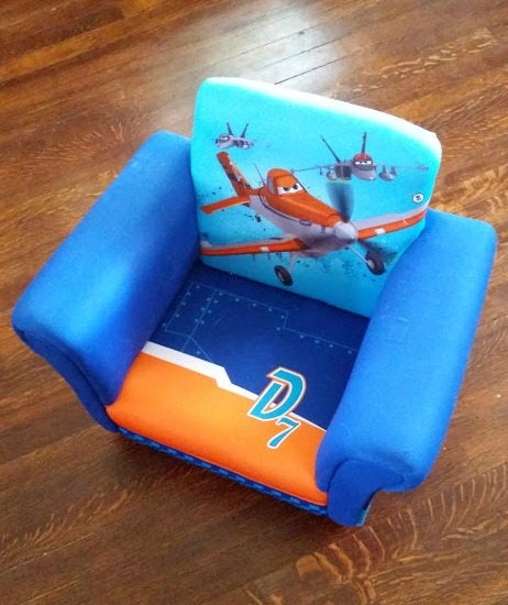 Disney Planes Upholstered Chair by Delta Children Review
