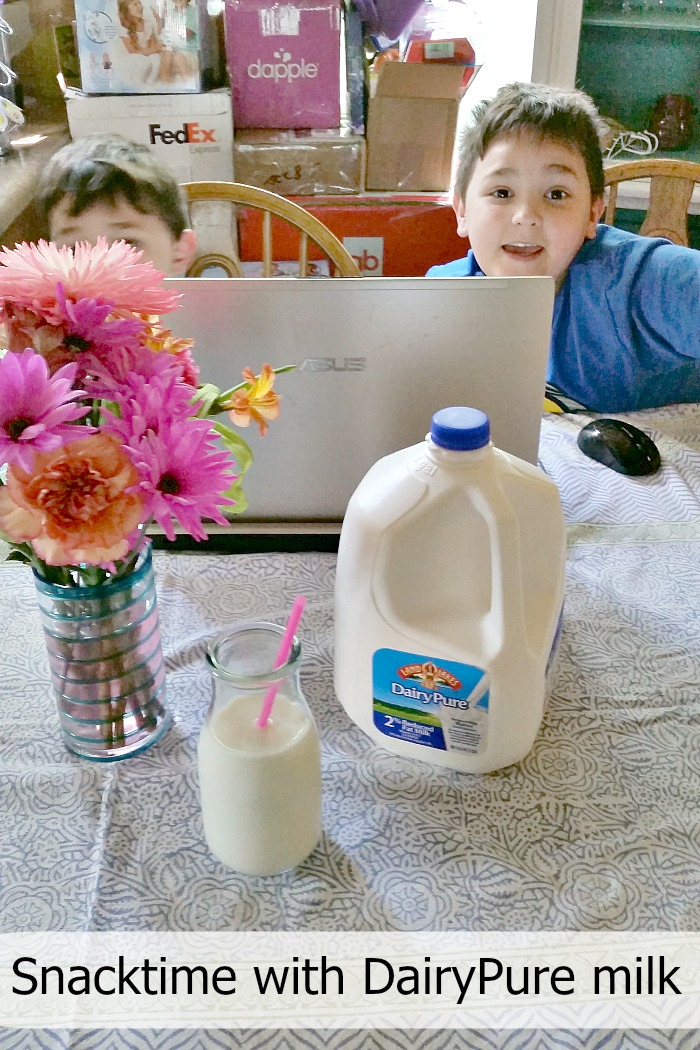 Snacktime with DairyPure milk