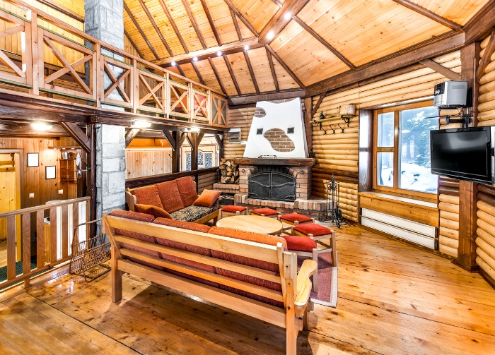Essential summer cottage design tips motherhood defined - Chimeneas rusticas de ladrillo ...