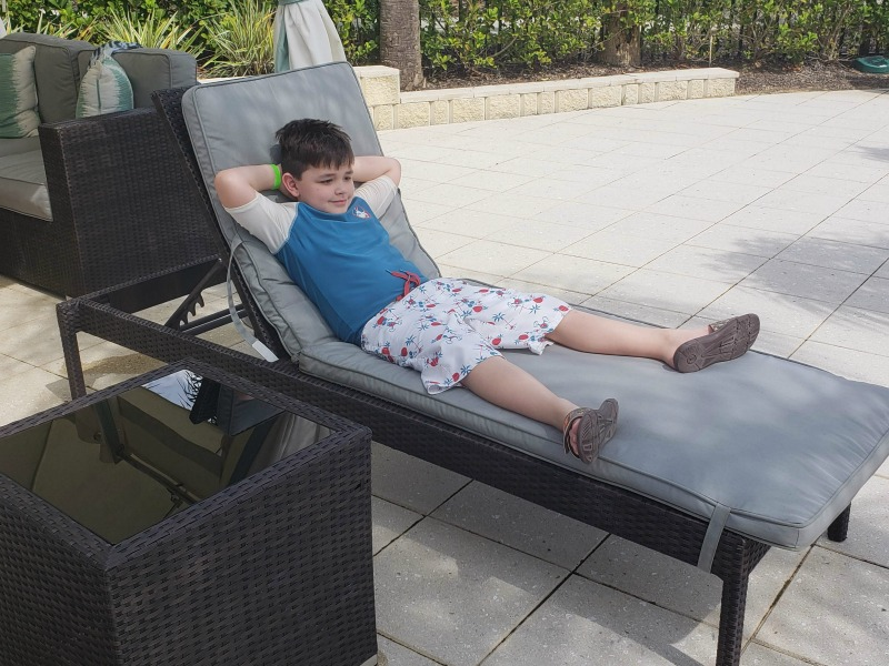8 Reasons Why Families Choose Encore Resort - Cabana Rentals