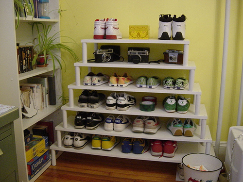 holiday shoe rack