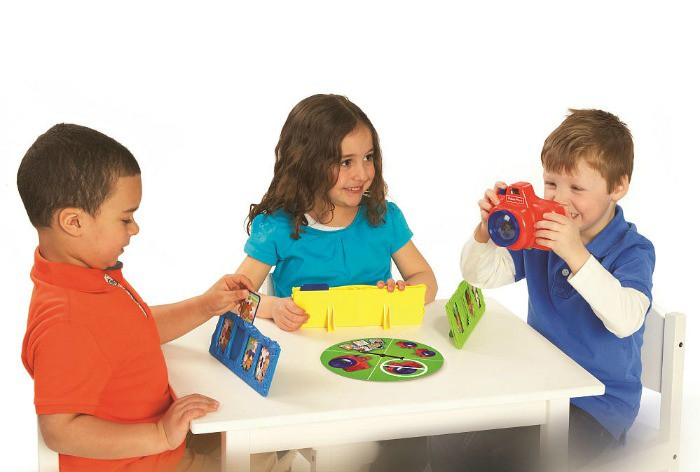 Fisher Price Little People Photo Discovery Game in play