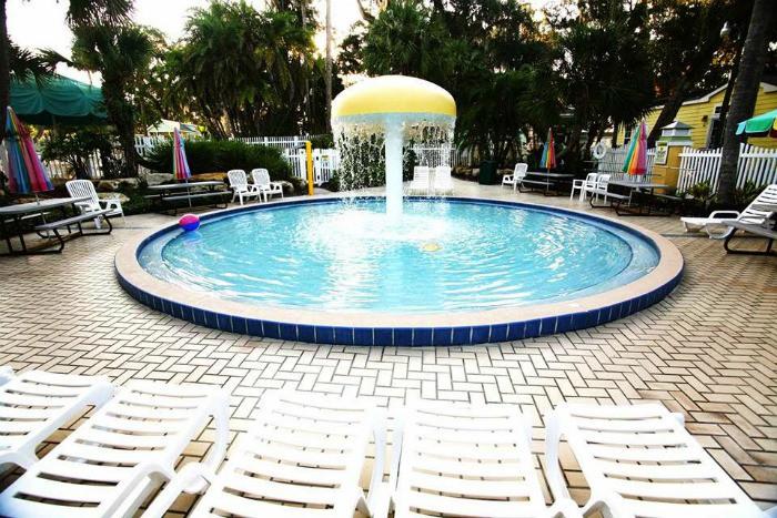 Carefree-Resort-Swimming