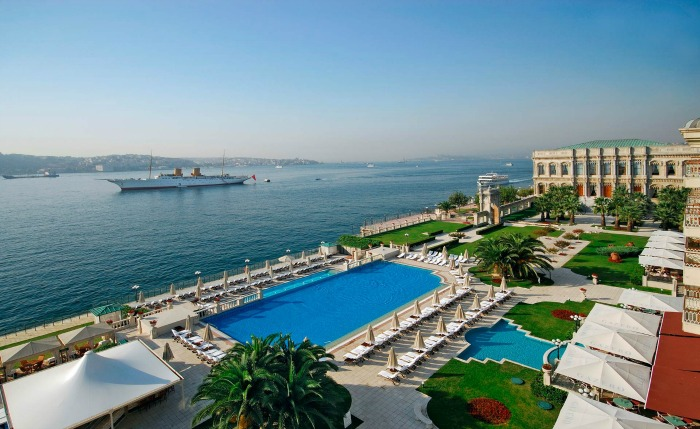 Cruise up the Bosphorus
