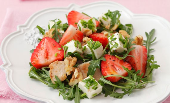 Berry, Feta, Spinach Chicken Salad