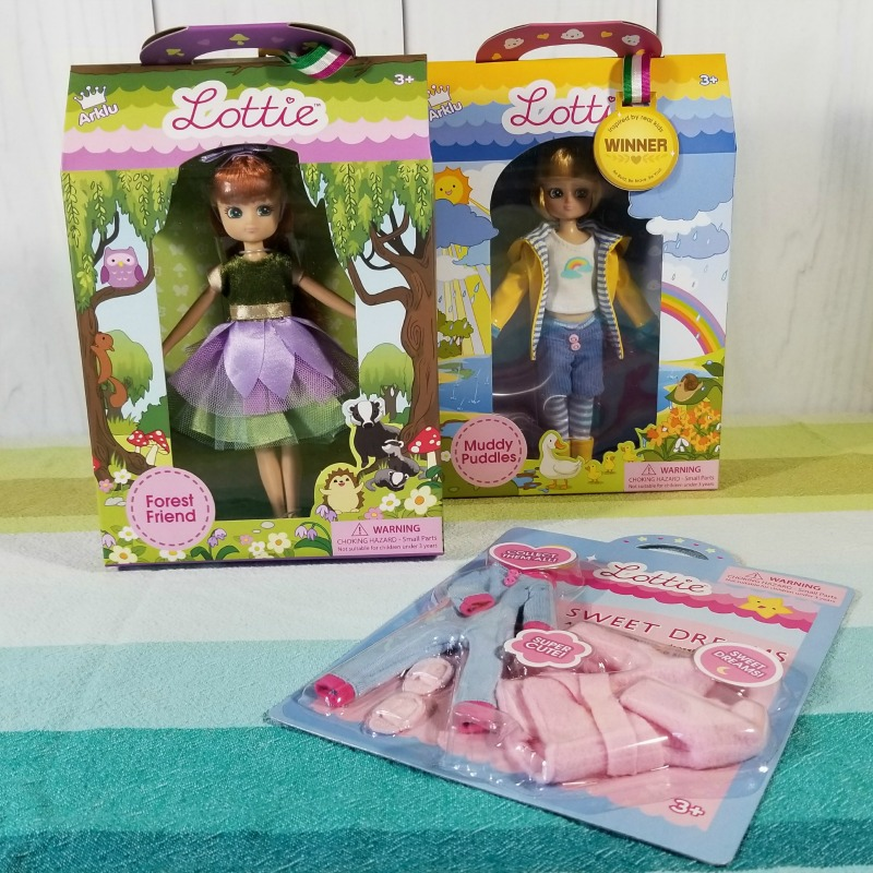 Best Gifts for Girls: Lottie Dolls and Buildings #HotHolidayGifts2017