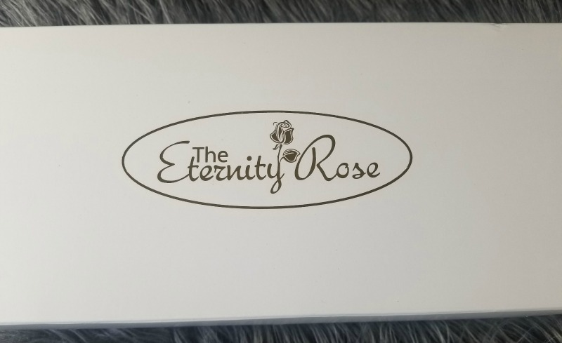 Give the Gift of Romance with The Eternity Rose #HotHolidayGifts2017