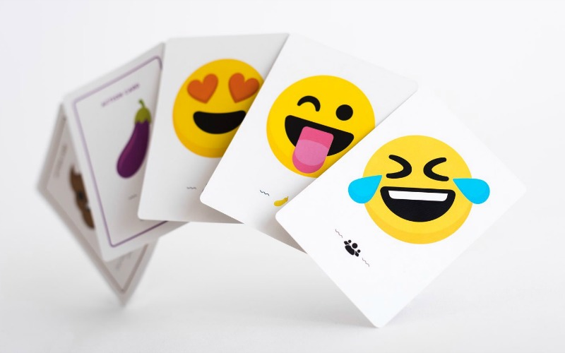 Emoji Party, a Game Families and Friends Who Like to Laugh #HotHolidayGifts2017