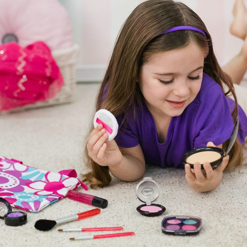 Little Cosmetics Delivers Mess-Free Beauty #HotHolidayGifts2017