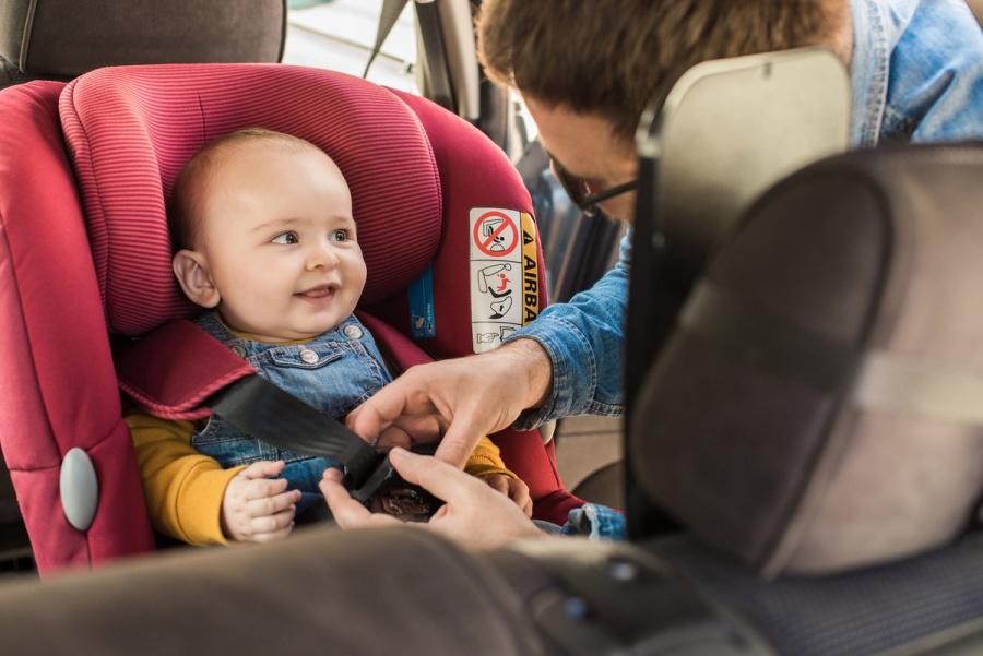 Showing Restraint - A Practical Guide to Baby Car Seats