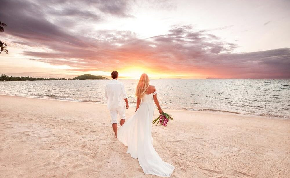 What to Know to Throw a Beach Wedding