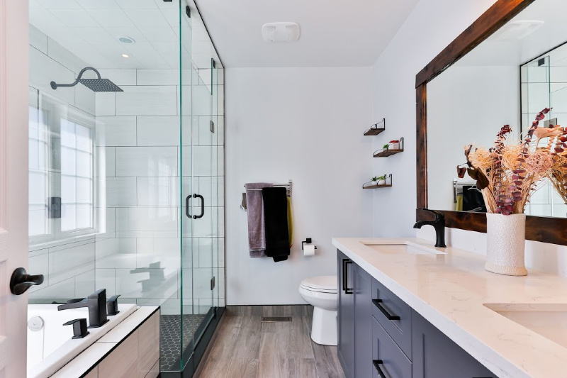 Effective Ideas to Achieve an Organized and Clutter-Free Bathroom