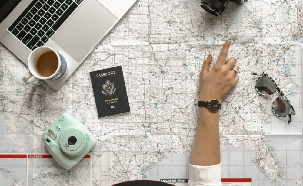 7 Travel Essentials to Make The Most of Your Road-trip