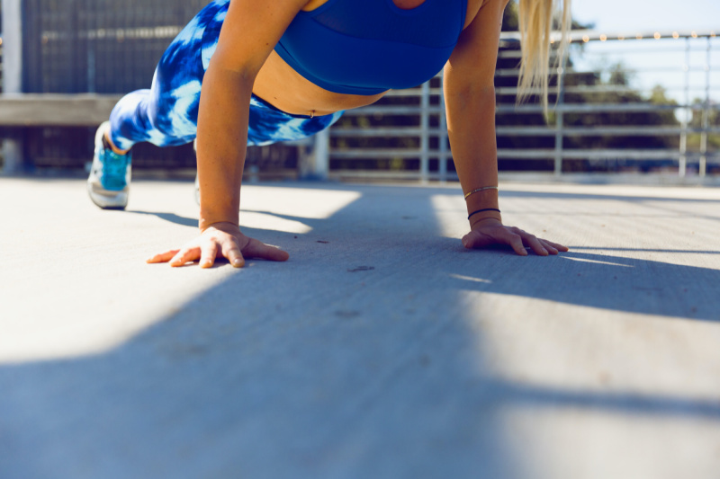 Top 5 Healthy Travel Tips to Keep You Energized - Boost Metabolism and Energy with Productivity Planks