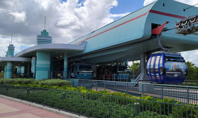 """5 Tips for the Best Disney World Vacation Ever - Say, """"Yes"""" to the Park Hopper tickets"""
